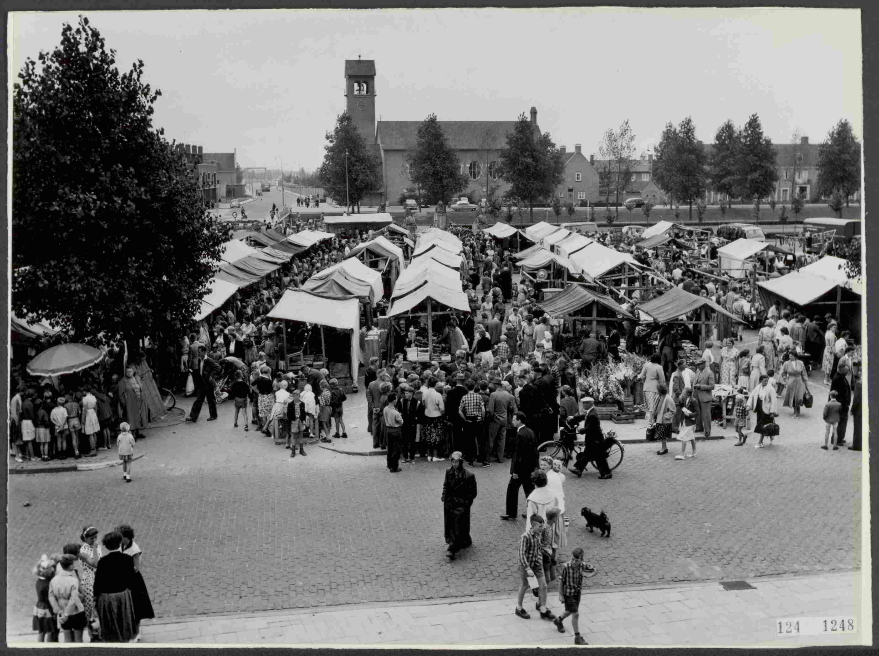 The market as a meeting place 1957.