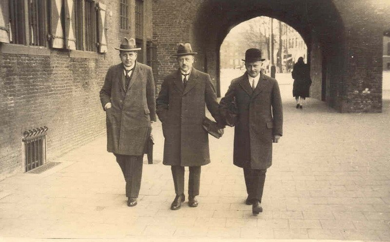 The first Board of the Wieringermeer was formed by these three gents. From left to right, ir A.L.H. Roebroek, ir S. Smeding and ir F.P. Mesu, 8 April 1930.