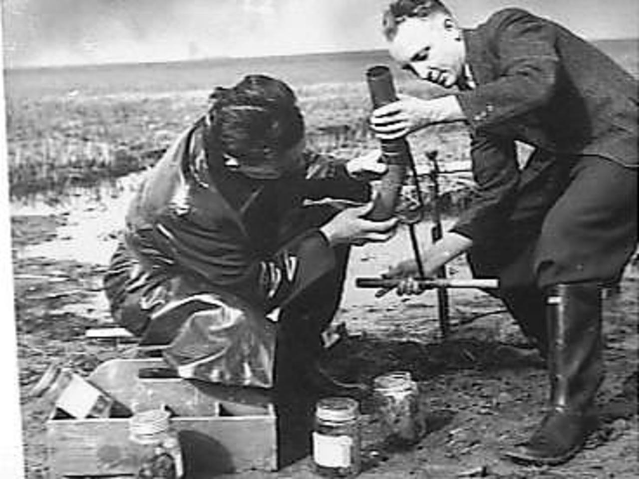 Research in 'Laboratory Noordoostpolder'. Taking soil samples, 1943.
